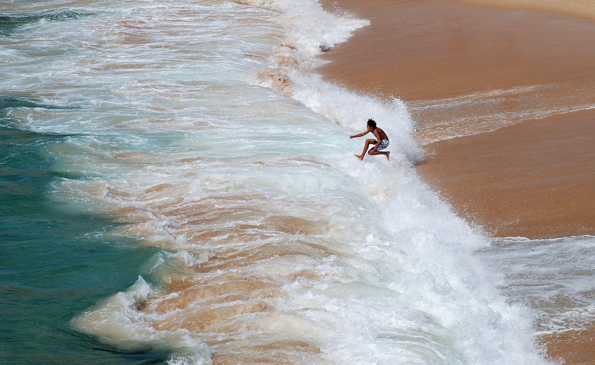 Porto_Covo_waves.jpg