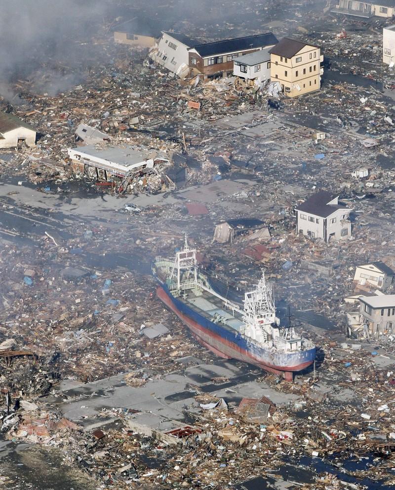 disaster2011_Sendai_Ship48.jpg